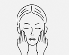 10〜15分後マスクをゆっくりはがしてください。<br>肌に残った美容液は手のひらでなじませてください。